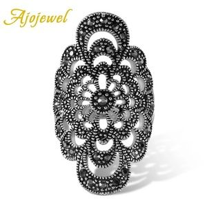 Antique Jewelry Hollow Flower Ring Black Crystals